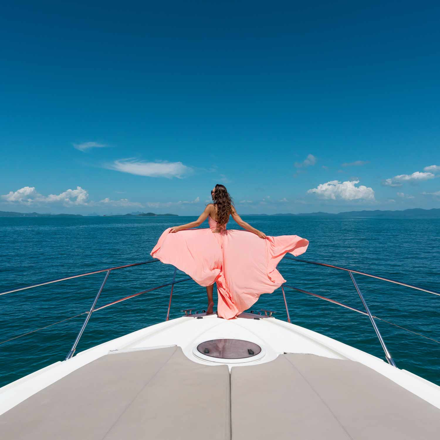 Yachts charters sales and purchase