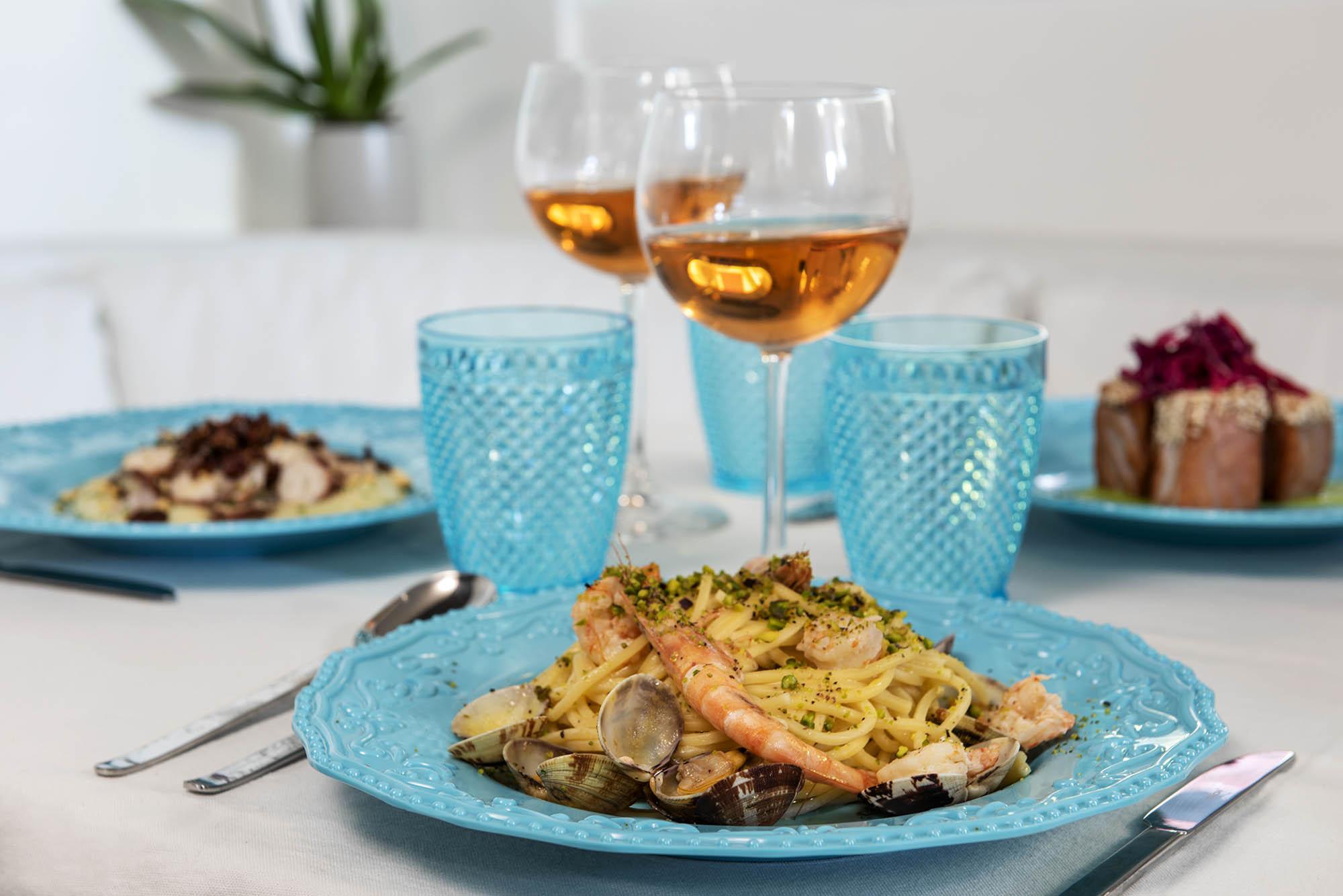 Vevekos for charter formal dining